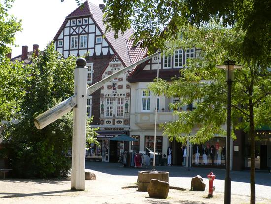 Honigkuchenhaus und Hungerbrunnen in Achim