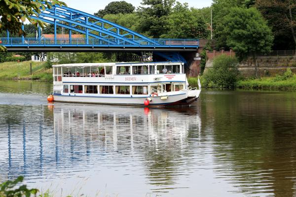 Fahrt mit der Flotte Weser in Nienburg