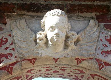 Detailansicht am Torbogen Drakenburg